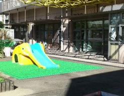 国立がん研究センター中央病院どんぐり保育園(東京都中央区)の様子